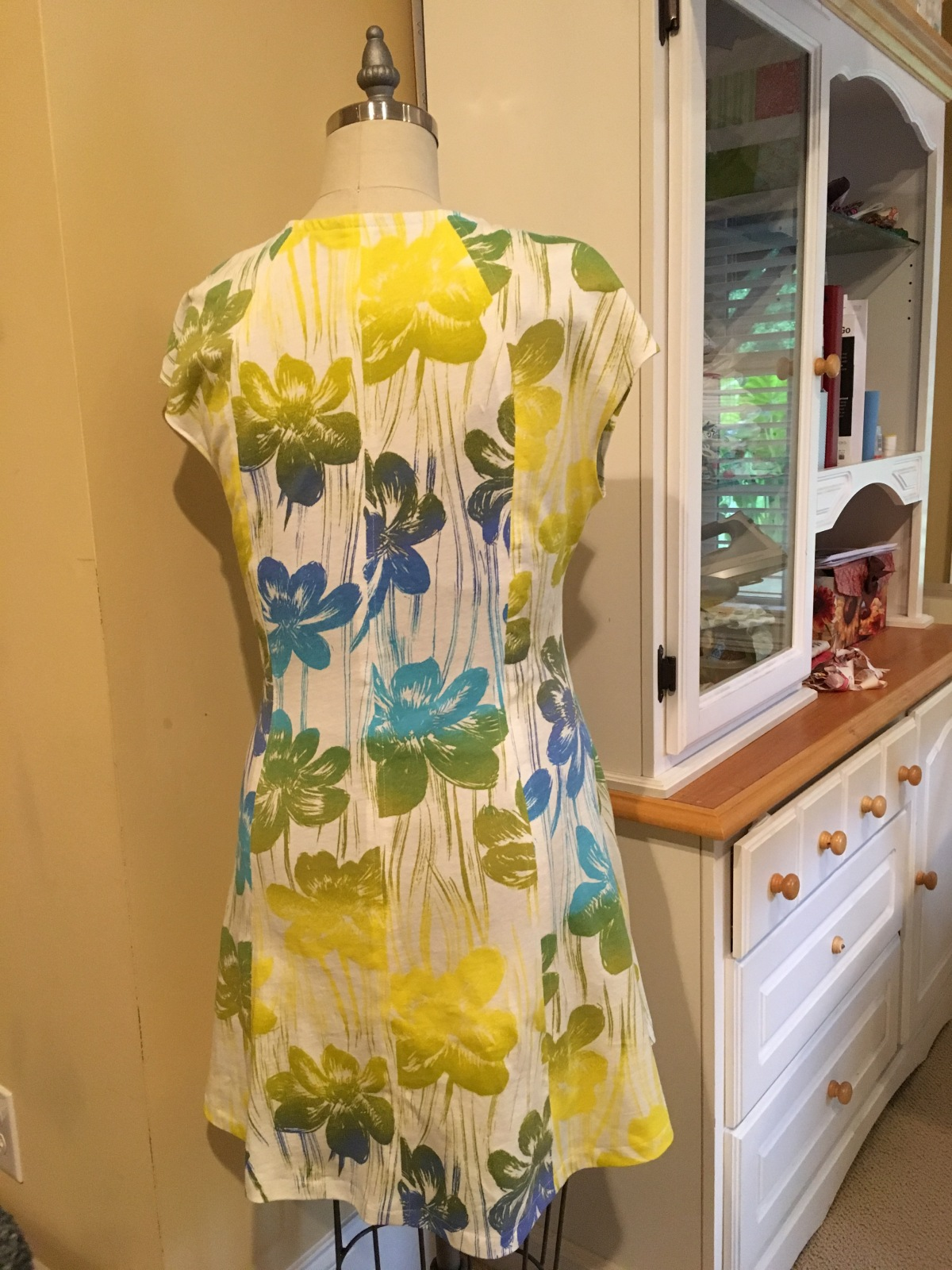 davie-dress-floral-back